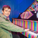 Neil Tarabulsi am Play Me, I'm Yours Flügel. Foto: Bernd Ducke / Flughafen München